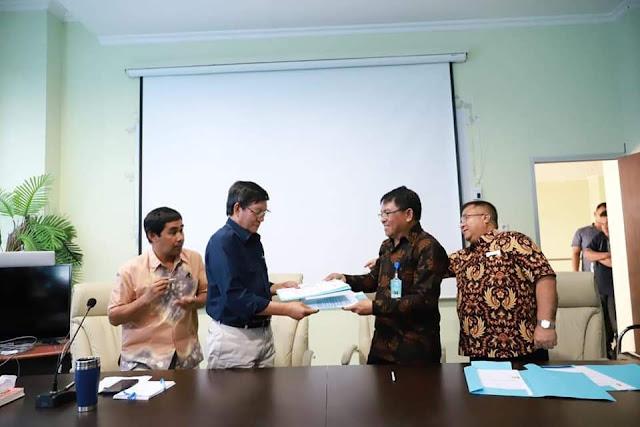 Walikota GSVL Tandatangani MOU Pemkot Manado dan Politeknik Nusa Utara