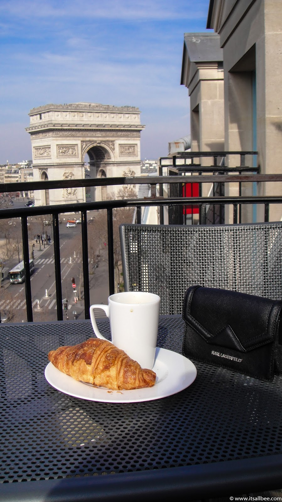 Paris Hotels With Views of Eiffel Tower [and Arc de Triomphe] | hotels with balconies in paris