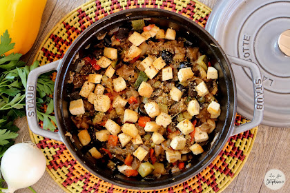Cocotte de légumes-fruits et dés de tofu grillé