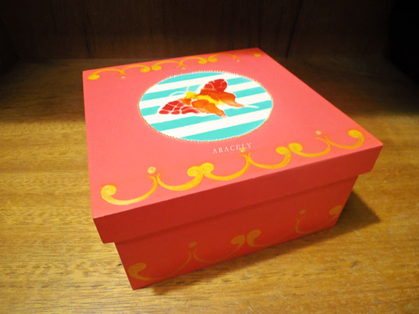 caja jacarelado madera mariposa