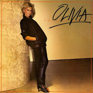 Album cover of Olivia Newton's 1978 album Totally Hot