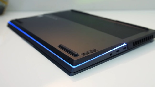 The RGB lighting line placed at the front side and both left and right sides of the Legion 7i to make it more attractive compared to other gaming laptops.