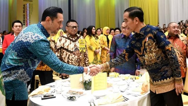 Perang Saraf dengan Nasdem, Jokowi Kunci Airlangga dan Bisa saja Gandeng AHY