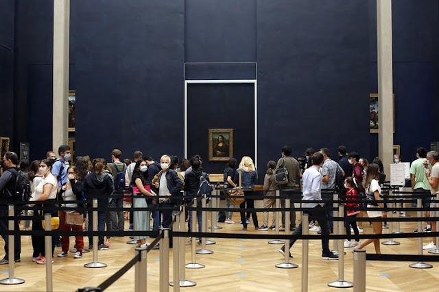 Louvre reopens after a 4 month closure