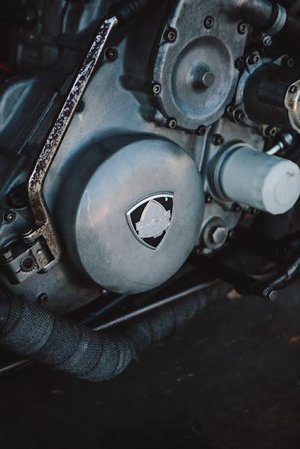 Suzuki RE5 độ Bobber: Bạn có biết về động cơ quay?