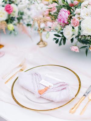 pink napkin fold wedding