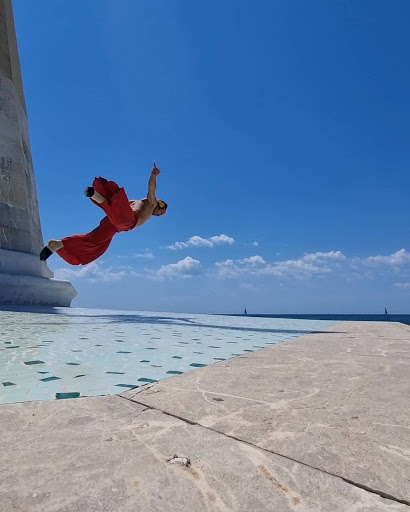 Fly Dance