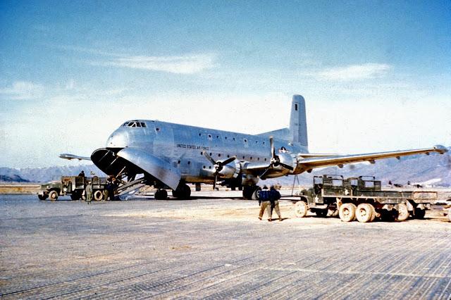 طائرة النقل الأمريكية دوغلاس C-124