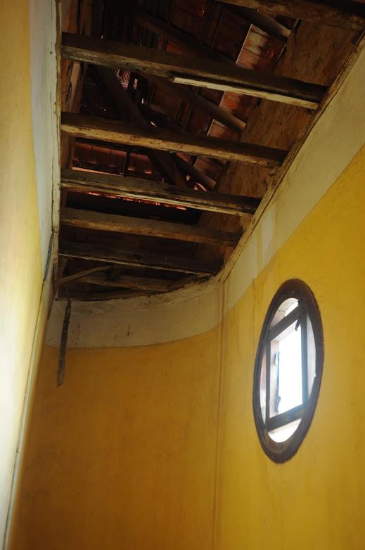 Phần trần của  biệt thự cổ bỏ hoang ở Đà Lạt hư hại nhiều