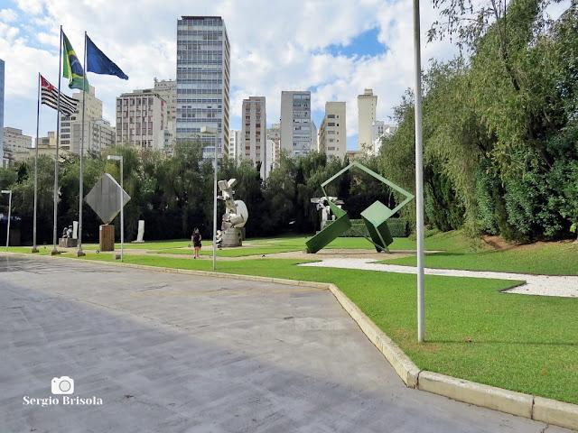 Vista do Jardim das Esculturas do Museu de Arte Brasileira - FAAP - São Paulo