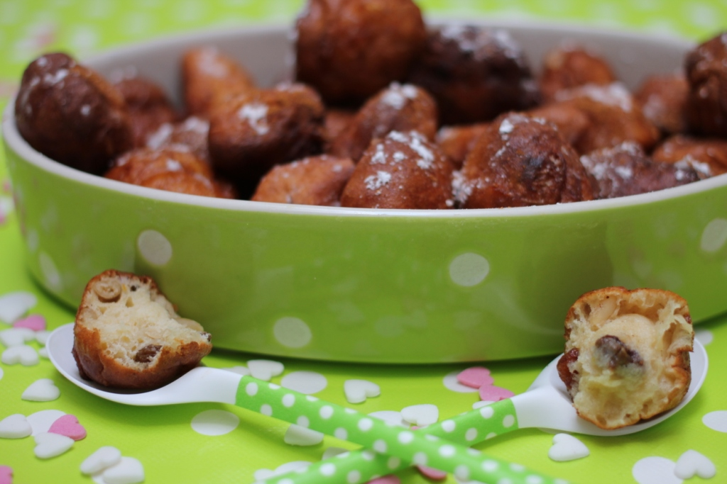 http://eldulcemundodenerea.blogspot.com.es/2013/02/receta-fritole-venete-carnaval-san-valentin.html