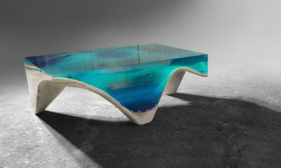 inspirasi meja unik menyerupai lautan dengan bahan epoxy