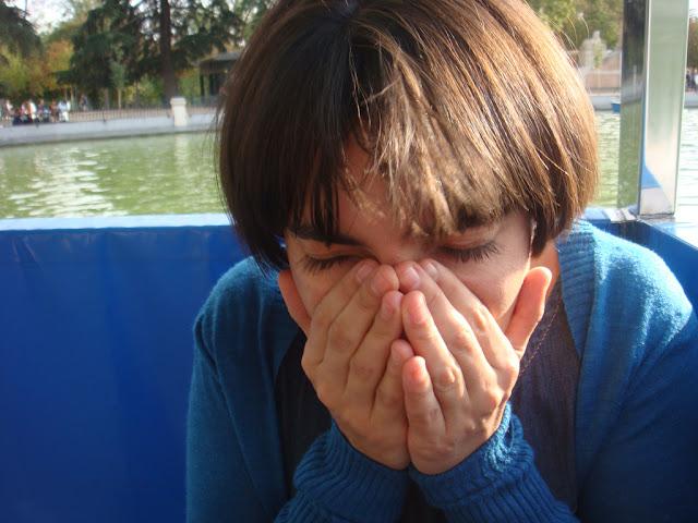 Lo que estamos haciendo terriblemente mal ala taparnos la boca cuando estornudamos