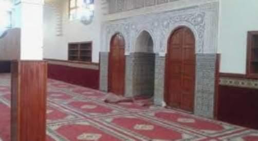 كلنا واحد ومصر لسه بخير مسيحي يتبرع بفرش مسجد محطة مياه غرب سوهاج