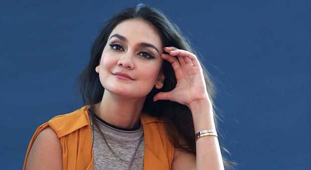 Putus dari Pacarnya, Luna Maya Ingin Jomblo Setahun
