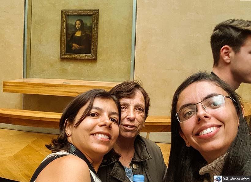 Mona Lisa no Louvre - Louvre sem fila: como visitar o museu em Paris