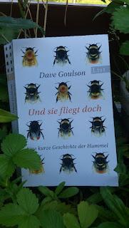 Das Cover zeigt 12 Hummeln