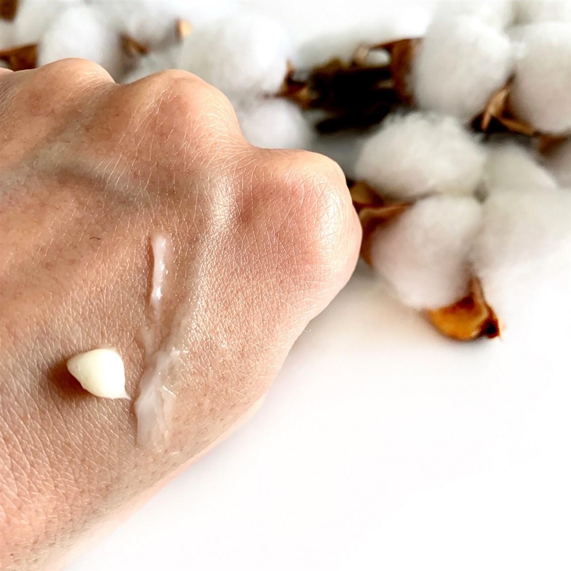 Dr. Jart+ Vital Hydra Solution Biome Eye Cream konsystencja