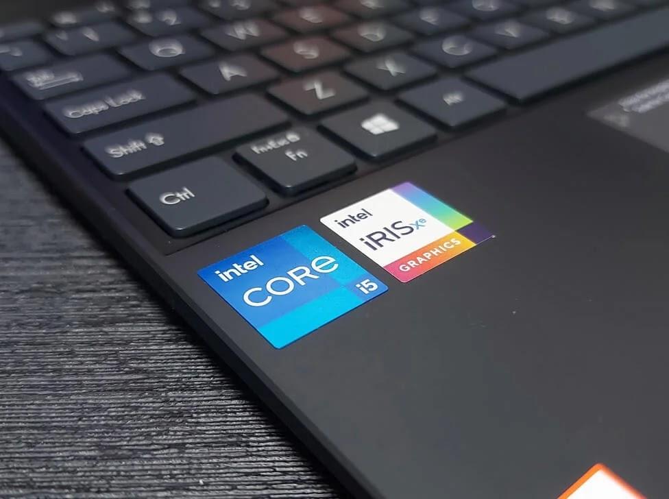 ASUS ZenBook 13 OLED UX325 Intel Core-i5 with Iris Xe Graphics