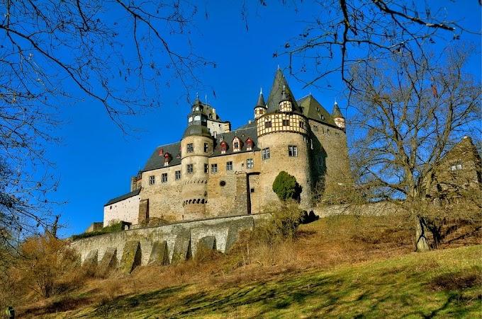 Bürresheim Castle, St. Johann (with Map & Photos)