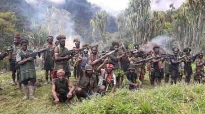 Terungkap! Sumber Dana Kelompok Kriminal Bersenjata Papua Ternyata dari Sini