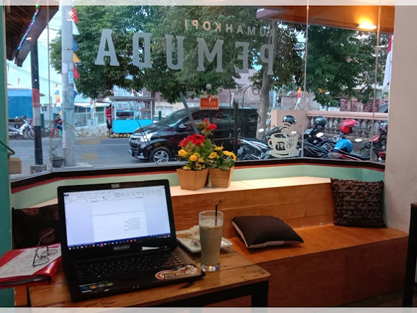 Rekomendasi Coffee Shop & Coworking Space di Purwokerto