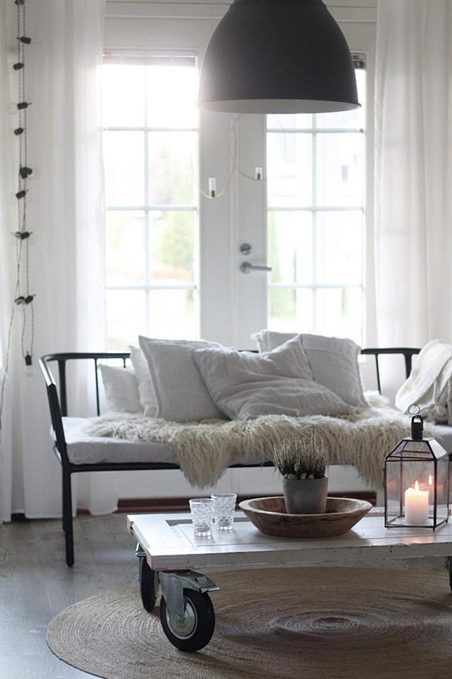 olohuone, olohuoneen sisustus, vaalea koti, rustiikkinen koti, rustic home, livingroom interior, lantligt hem