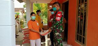 Dandim 0820/Probolinggo Distribusikan 44 Ton Beras Untuk Warga Yang Terdampak Covid Dimasa Pemberlakukan PPKM Darurat