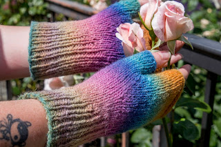Rainbow Rib Mitts