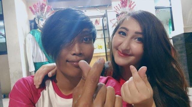 Bule Cantik Austria ini Nekat ke Jakarta Untuk Nikahi Bambang yang Hanya Bekerja Sebagai Petugas PPSU. 'Dia ngajak saya nikah'