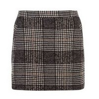 http://www.newlook.com/fr/shop/womens/skirts/black-check-pocket-front-mini-skirt-_358796409?productFind=search