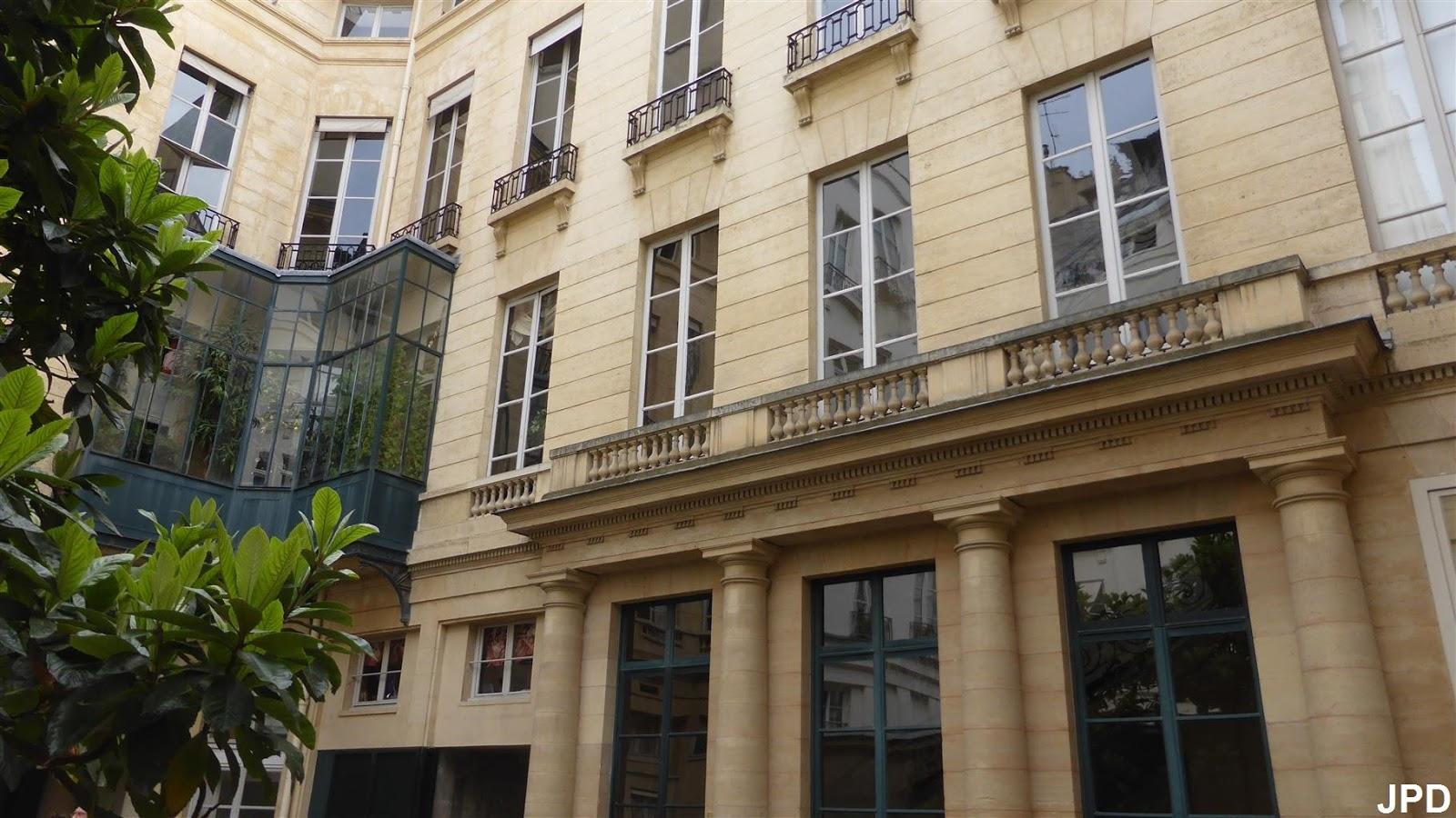 Paris-bise-art : Rue de Tournon (2)