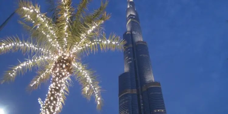 This is how Burj Khalifa celebrated the arrival of the probe of Hope to Mars