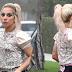 FOTOS HQ: Lady Gaga llegando a casa de una amiga en Brentwood - 08/02/17