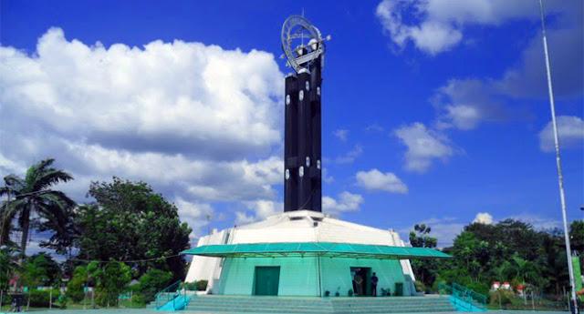 Equator Monumen di Pontianak