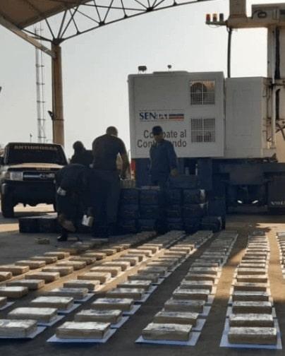Cocaina colombiana, Colombia estado narcoparamilitar