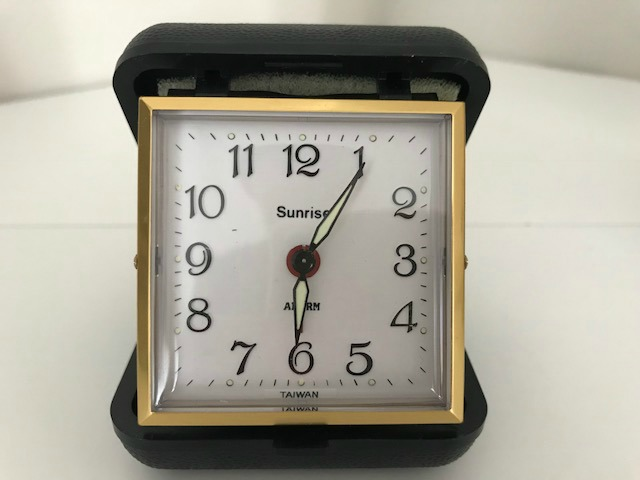 Sunrise travel alarm clock retro Mad Men