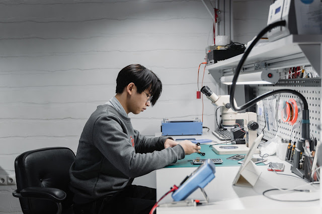 Everything You Need to Know Before Opening a Smartphone and Laptop Repair Business