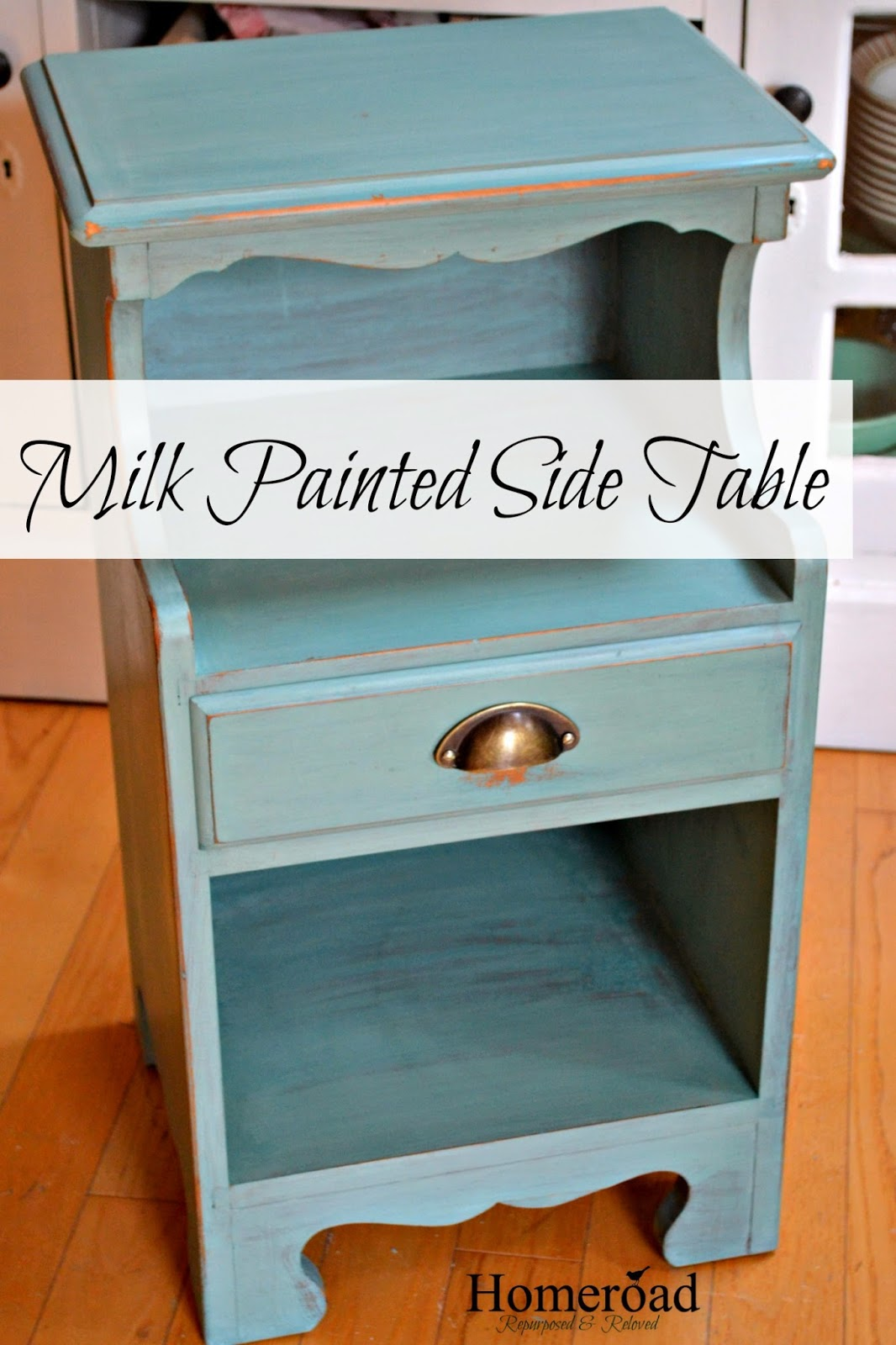 side-table-painted-with-miss-mustard-seed-milk-paint www.homeroad.net