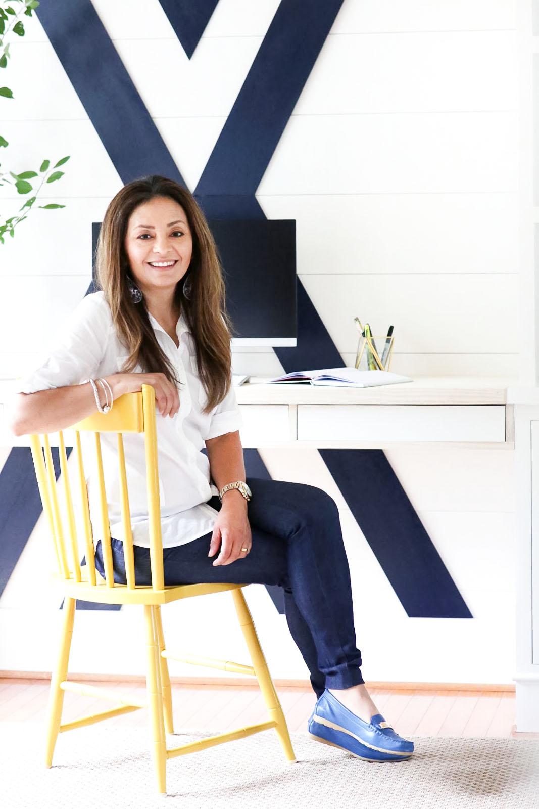Cristina Garay - Built-in desk