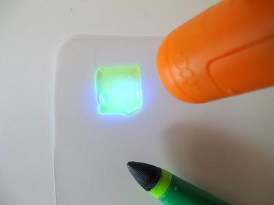 IDO3D spotlight drying a plastic shape.