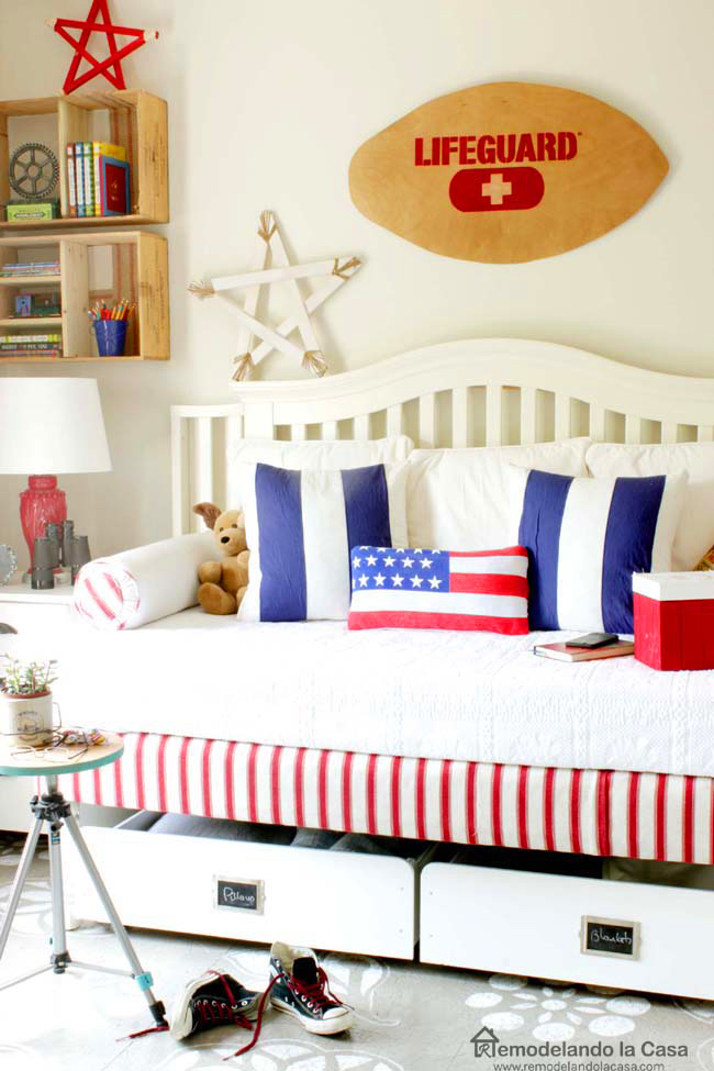 Red, white and blue bedroom decor