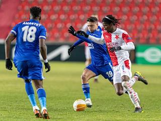 Super Eagles star Peter Olayinka sends warning message to Ndidi & Iheanacho ahead of UEL tie