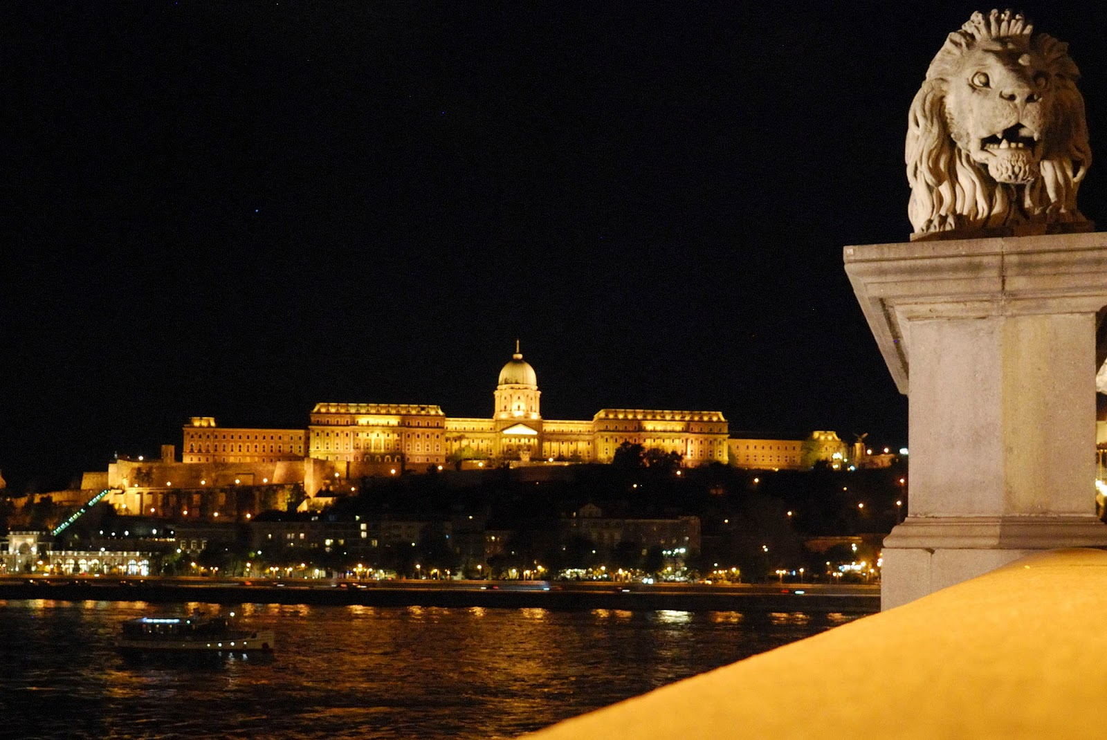 budapest guide itinerary instagram worthy spot sights landmarks hungary night city lights buda castle district