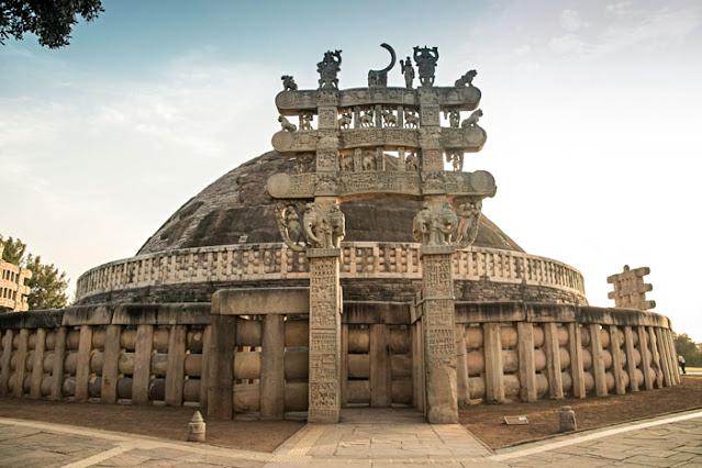 sanchi buddhist stupa madhya pradesh