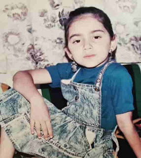 Shruti Marathe Childhood Photo