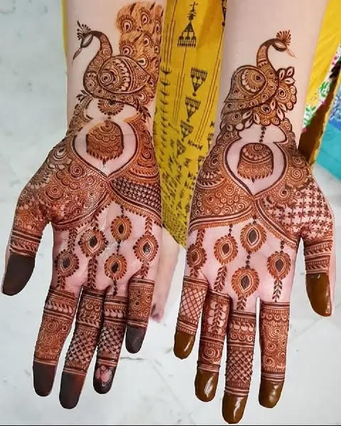 jhumki-with-peacock-front-hand-mehndi-design