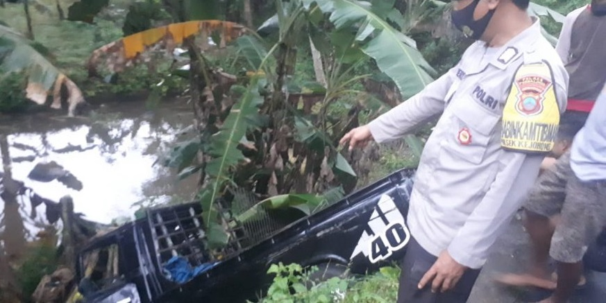 3 Warga Banjarnegara Alami Kecelakaan Di Purbalingga, Mobilnya Masuk Jurang Sedalam 3 Meter