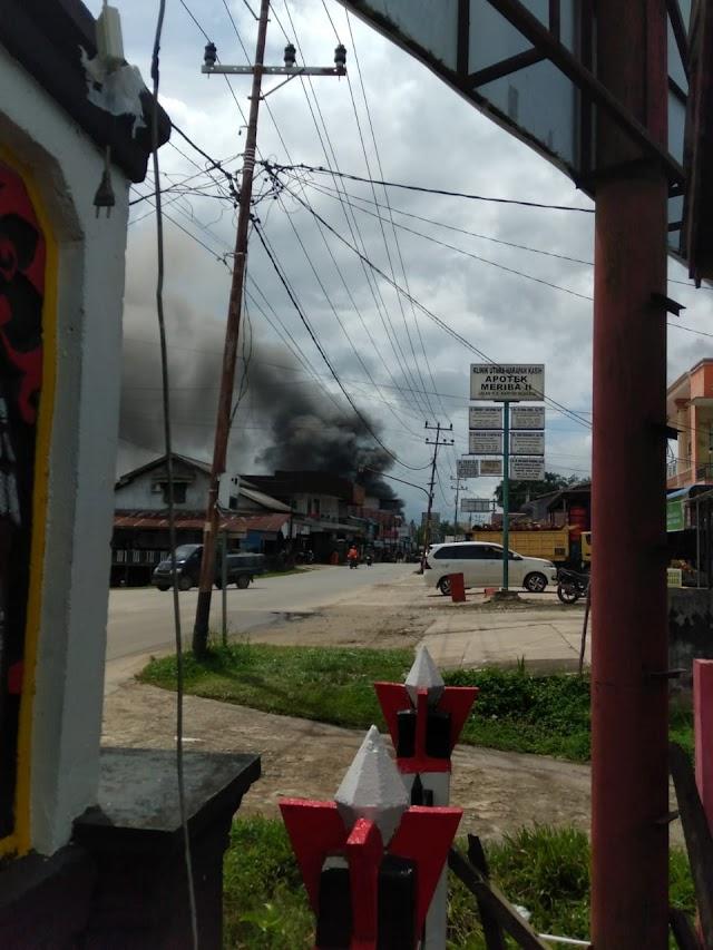 Ruko terminal Ngabang Kab. Landak kebakaran