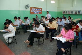 Resultado de imagen para docentes que llegaron tarde al examen xammar